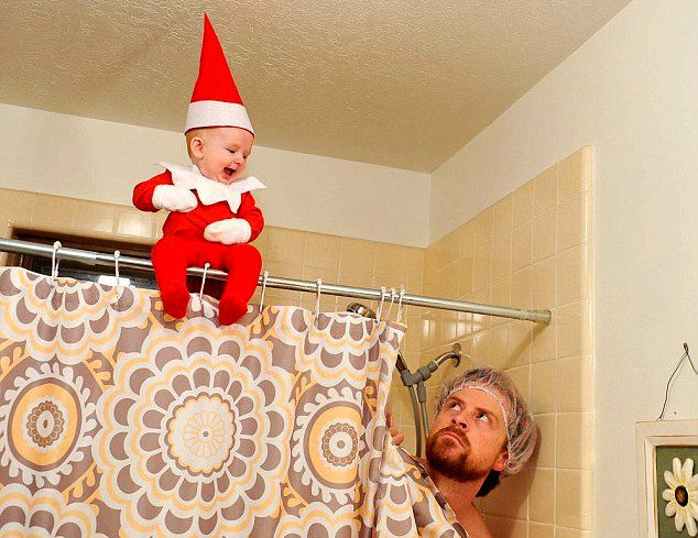 Ο Αμερικανός φωτογράφος Άλαν Λόρενς είναι η ζωντανή απόδειξη πως καμία μητέρα δεν πρέπει να αφήνει το παιδί της μόνο στο σπίτι με τον… πατέρα του! Ο καλλιτ