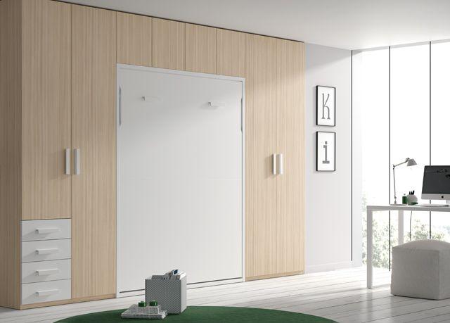 Kids Touch 8: Habitación con cama abatible, armario y escritorio.