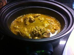 1 pollo troceado · 1 cebolla grande · 2 huevos · 2 dientes de ajo · 1 trozo pan · Unas hebras de azafrán · 15 almendras · 1 vaso (250 ml) d...