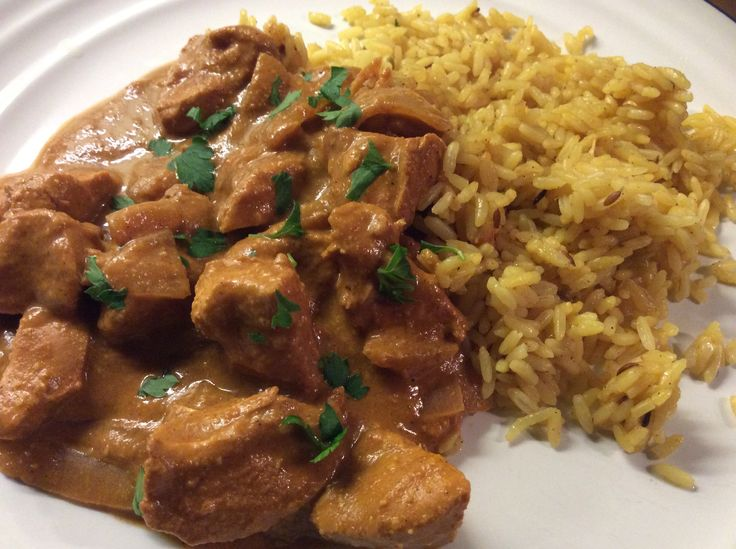 """It seems to have got cold again so this tasty slow cooker curry was perfect to warm us up in the evening after a long day at work. Pasanda is usually a curry containing cream, yoghurt or coconut milk and almonds. The name means """"liked"""" or """"favourite"""" as this mild curry is popular with young … … Continue reading →"""