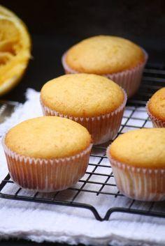 Muffin de naranja. Rápidos de hacer y perfectos para el desayuno. #desayuno #muffin #naranja