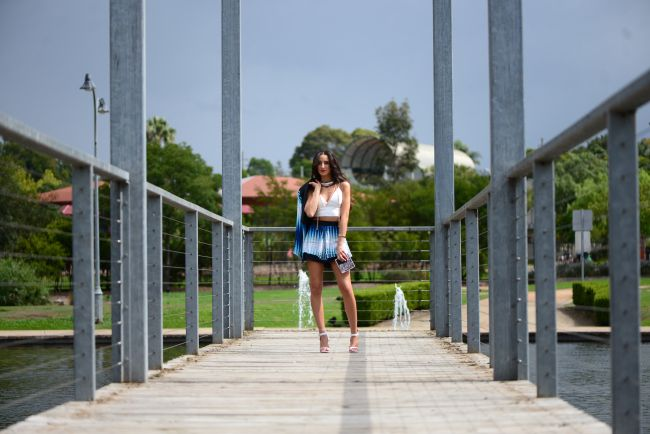 Gorgeous Maryanne from lovembee.com.au wearing the Sweetheart Shorts and Almost Famous Blazer in Boca Blue from Isabel and I - www.isabelandi.com