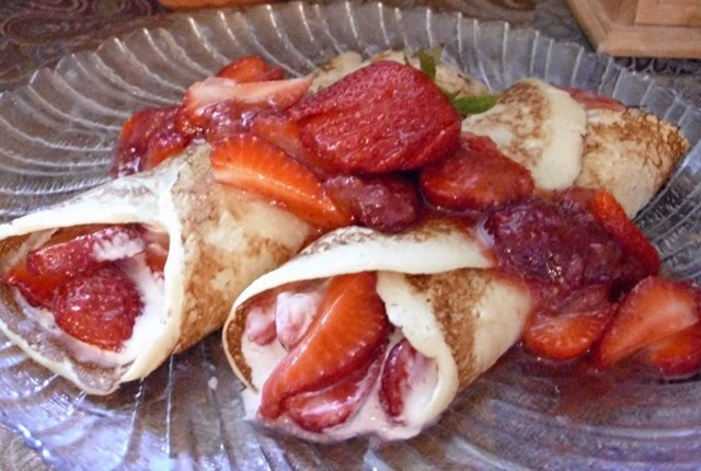 Recipe: The Ultimate Fresh Strawberry Crepe | Poor Girl Eats Well ...