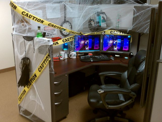 How To Decorate Your Office Cubicles For Halloween Halloween Cubicle Cubicle Halloween Decorations Halloween Office