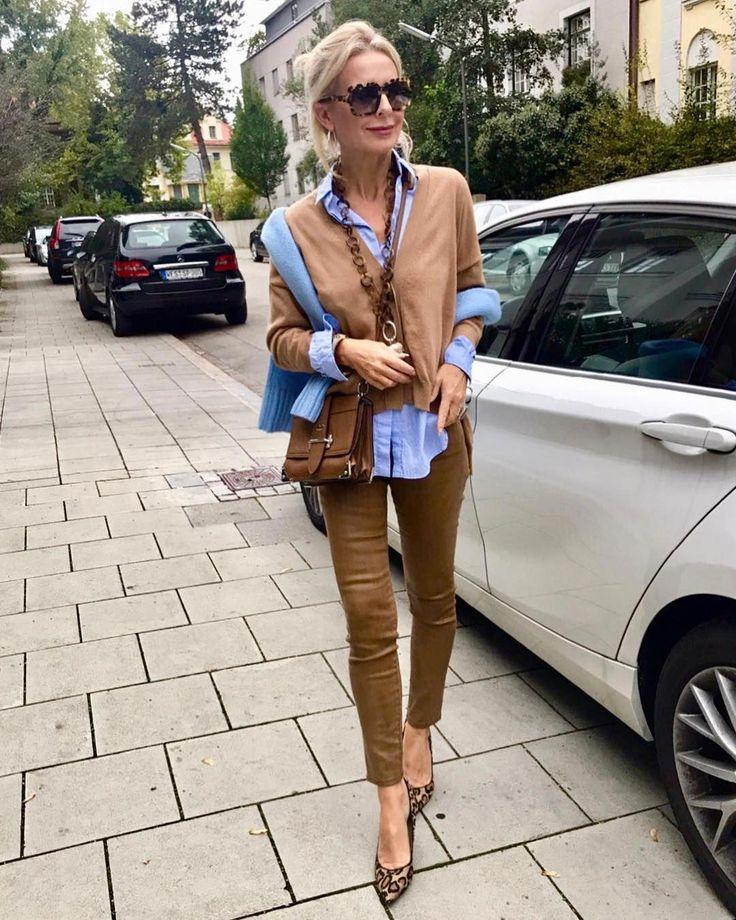 """schokoladenjahre by bibi horst on Instagram: """"Hellblau mit Cognac und Leo💙…"""
