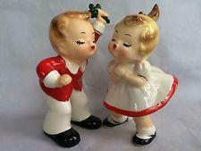 VTG JOSEF ORIGINALS CHRISTMAS FIGURINES BOY KISSING GIRL MISTLETOE JAPAN WOW!