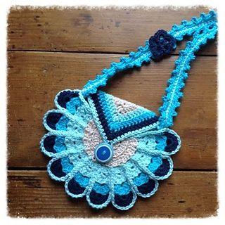Peacock Bag/Purse - Free Crochet Pattern