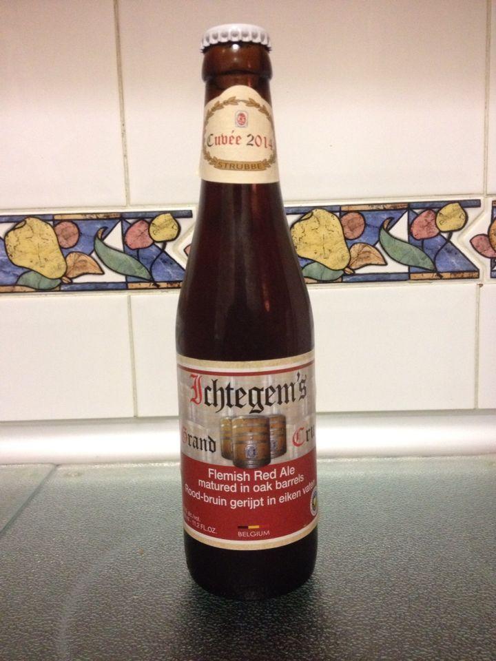 Ichtegem's grand cru cuveé 2014 - 6,5% Flemish red ale (rood-bruin) madurada en barriles de roble. Bonito color tostado rojizo, buen aroma a frutos rojos y manzana pero demasiado suave igual que el sabor que debería estar mucho más marcado
