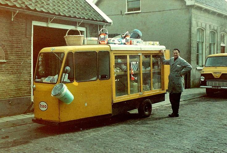 Ook de olieboer (ca 1964) kwam langs de deur!