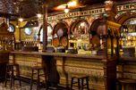 Le Crown Liquor Saloon ou Crown Bar de Belfast est l'un des plus beaux pubs d'Irlande, et l'un des plus traditionnels.
