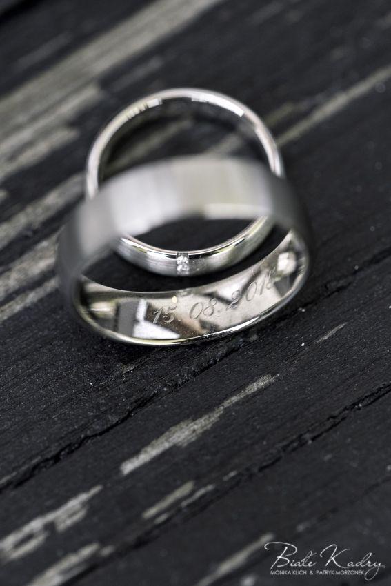 Obrączki slubne  Fotografia ślubna, fotograf ślubny, dwóch fotografów Kraków #krakow #zdjęcia #ślubne #obrączki #sesja #wedding #ring #silver #krakow #limanowa