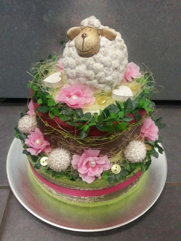 Schaap-voorjaars-taart-bloemstuk