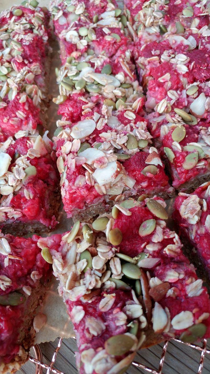 raspberry-almond-oat-bars-clean-eating