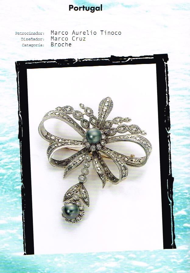 Tahitian Pearl Trophy Young Jeweller, received in New York.