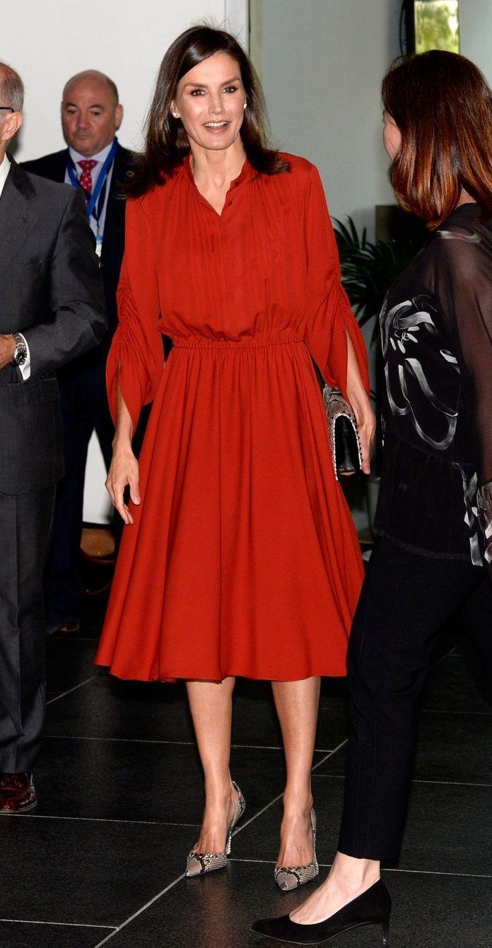 b0a0caf4670 Queen Letizia wore red Salvatore Ferragamo dress in mallorca | Queen ...