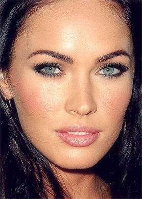 love the rosy cheeks to match the lips.  and umm those brows are amazing. maybe they're fake?