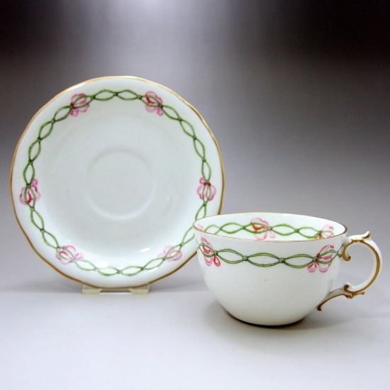 """Cup and saucer Royal Crown Derby """"Safra jet and ribbon"""" 1913"""