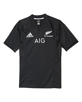 Show your support for New Zealand rugby in the Adidas All Blacks Home Jersey. This jersey is a version of the one the All Blacks wear when they play on home soil. It features an all over print inspired by the team's silver fern logo, Formotion fabric for ease of movement and a high-density All Blacks crest on the chest. Buy Now http://www.outsidesports.co.nz/new-in/ADIAP5663/Adidas-All-Blacks-Home-Jersey---Men's.html#.WIUtqFN95t8