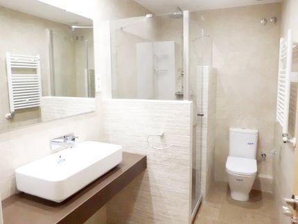Las 25 mejores ideas sobre ducha grande en pinterest y m s - Ver cuartos de bano con plato de ducha ...