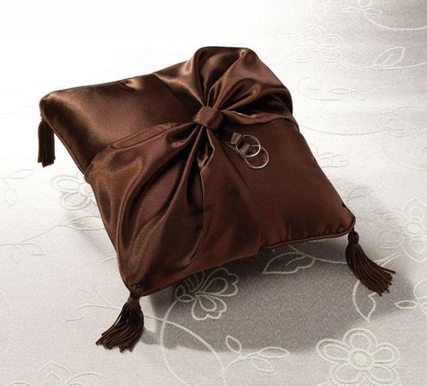 Chocolate Brown Wedding Ring Pillow by How Divine http://www.howdivine.com.au/store/194-weddings/1253-chocolate-brown-wedding-ring-pillow.html?21_76