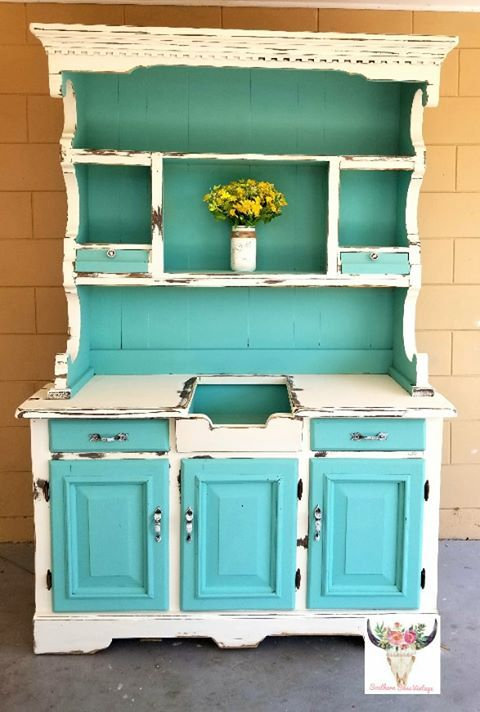 lea nicole saunders gave this piece a makeover with buttercream and the gulf