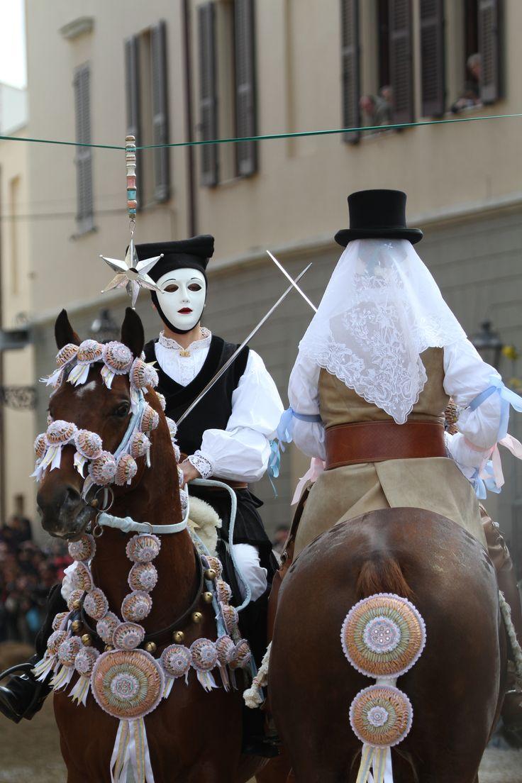 #Sartiglia #Oristano incrocio delle spade tra su Componidori e il suo secondo - A crossing of swords between su Componidori and his second in command
