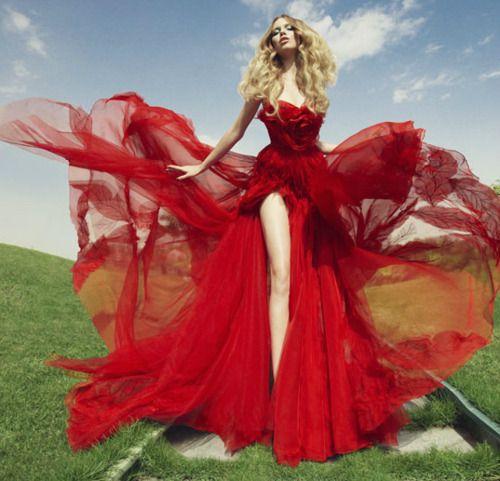 Im A Sucker For Wind Blowing Flowy Dresses Sexy