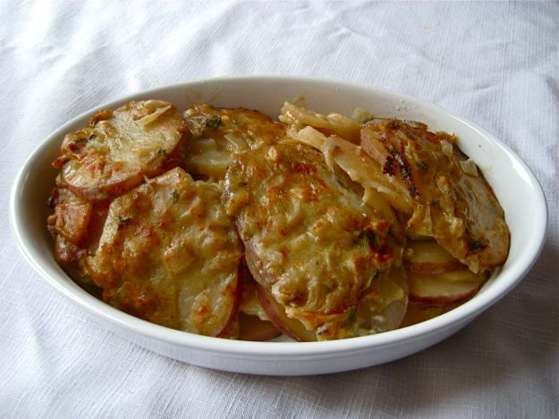 Slow Cooker Creamy Scalloped Potatoes and Parsnips [gluten-free,vegan]