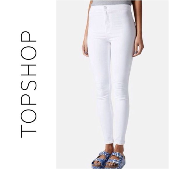 "☀️$50 TODAY☀️ White Joni High Waisted Skinny Jeans Brand: Topshop Size: W30 L30  Measurements: Waist (laid flat): 13"" across, 26"" around. Can stretch up to 14.5"" across or 29"" around. Inseam: 27""  Fits sizes 28-29 so definitely size up! I am a size 6/8 + these fit great.  These jeans are in good condition. The material is incredibly stretchy. They have two back pockets; no belt loops. There are a few faint black marks which can be seen in the last collage + minor pulls on rear.   Sold out on…"