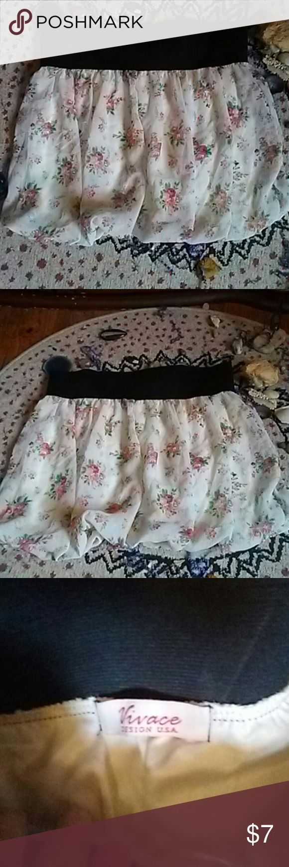Vivace Design vintage boho skirt Vivace design usa white with floral print mini flowy boho skirt. Black stretchy band on waist. Size large. Puckered bottom seam and double layered. Vivace Skirts Mini
