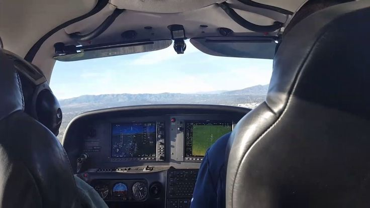 2017 Cirrus SR20 G6 Landing Van Nuys Airport
