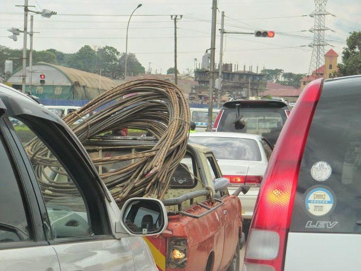 Isomman luokan riskitekijä, liikenneruuhkaa Kampalassa