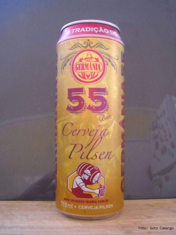 """GERMÂNIA 55 – Fundada em 1991 em Vinhedo (SP) a cervejaria produzia apenas chope em barril. Em 2013 lança uma lata de cerveja diferente, em embalagem de 710 ml. Seu marketing é baseado em uma história fantástica de um alquimista da Idade Média que deixou uma receita de cerveja; a """"fórmula 55"""", que seria a base da Germânia. A cerveja, que é o que interessa, é leve, utiliza """"cereais não maltados"""" e segue o padrão das brasileiras; teor alcoólico menor e menos amarga. O custo-benefício ajuda."""