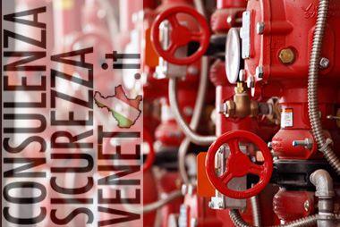 decreto legislativo 81/08 all'art. 43 comma 1 lettera b) stabilisce che il datore di lavoro è tenuto a designare uno o più lavoratori incaricati dell'attuazione delle misure di prevenzione incendi, lotta antincendio e gestione delle emergenze.  Tutti i lavoratori che svolgono l'incarico di addetto alla squadra di emergenza antincendio devono ricevere una specifica formazione attraverso dei corsi antincendio specifici. in collaborazione con MODI S.r.l. eroghiamo corsi antincendio