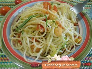 Spaghetti freddi zucchine e gamberi