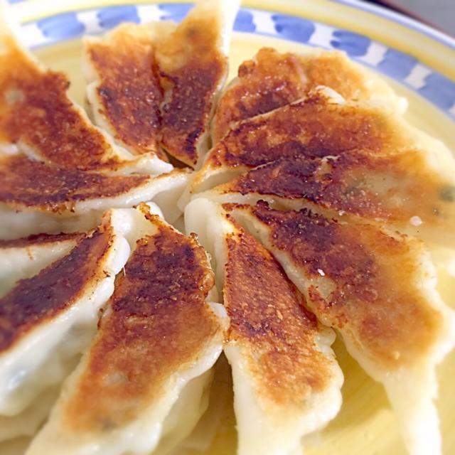 今日のメインはセブンプレミアムの焼ぎょうざ。 - 9件のもぐもぐ - 焼き餃子! by shinkosuginWK