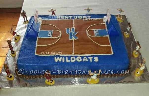 Coolest Kentucky Basketball Cake for a die hard Kentucky Basketball Fan... This website is the Pinterest of birthday cake ideas
