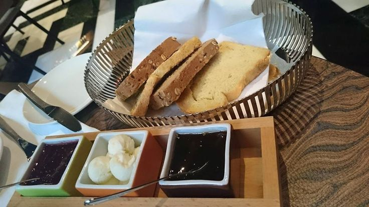 Taste a unique Hellenic #Breakfast! #AthensWas #AthensHotels #Gastronomy Photo credits: Sophie Tien