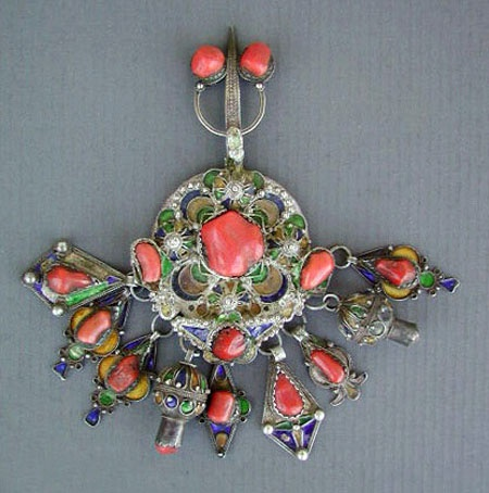 Africa antique silver enameled kabyle brooch adwir for Decoration kabyle
