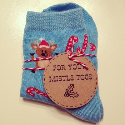 """""""For Your Mistle Toes"""" Free Printable Tag"""
