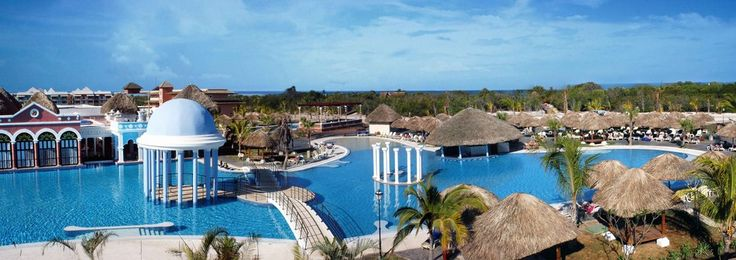 Iberostar Varadero, Varadero, Cuba  Un hôtel 5 étoiles situé en bord de mer, face à la plage de Varadero, une plage de plusieurs kilomètres, à Cuba.