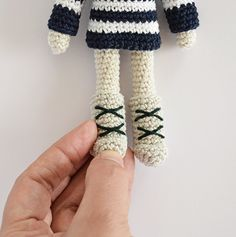 Nordic Boots for your Amigurumi - Free English Crochet Pattern here: http://crochetobjet.com/2016/02/04/free-pattern-angie-bunny-nordic-boots/