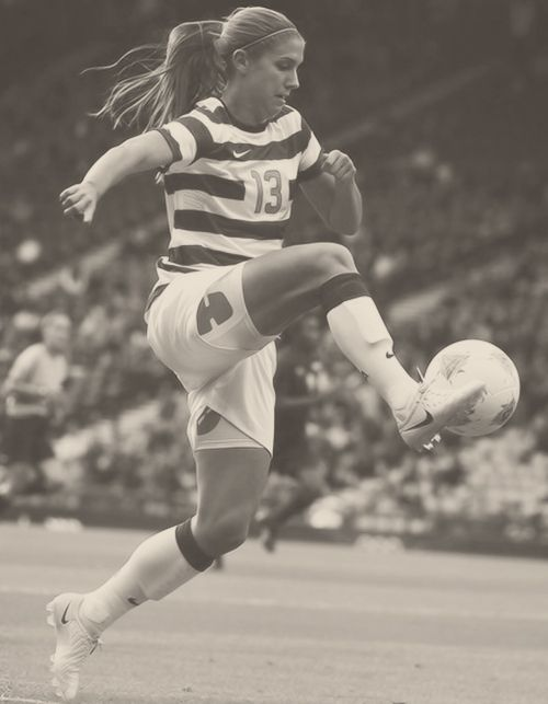 See this girl right here? She is my idol. I look up to her sooo much(: Alex Morgan. Come on BABY HORSE!<3