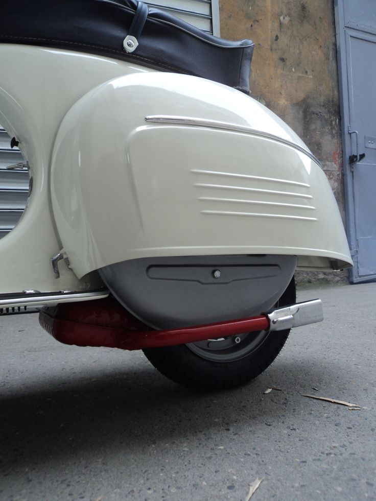 scooters#vespa#home made vespa ss# quarterly independant bi-lingual (French / English) magazine which essentially deals with the world of vintage-labeled scooter, as well as the lifestyle that characterizes their fans: