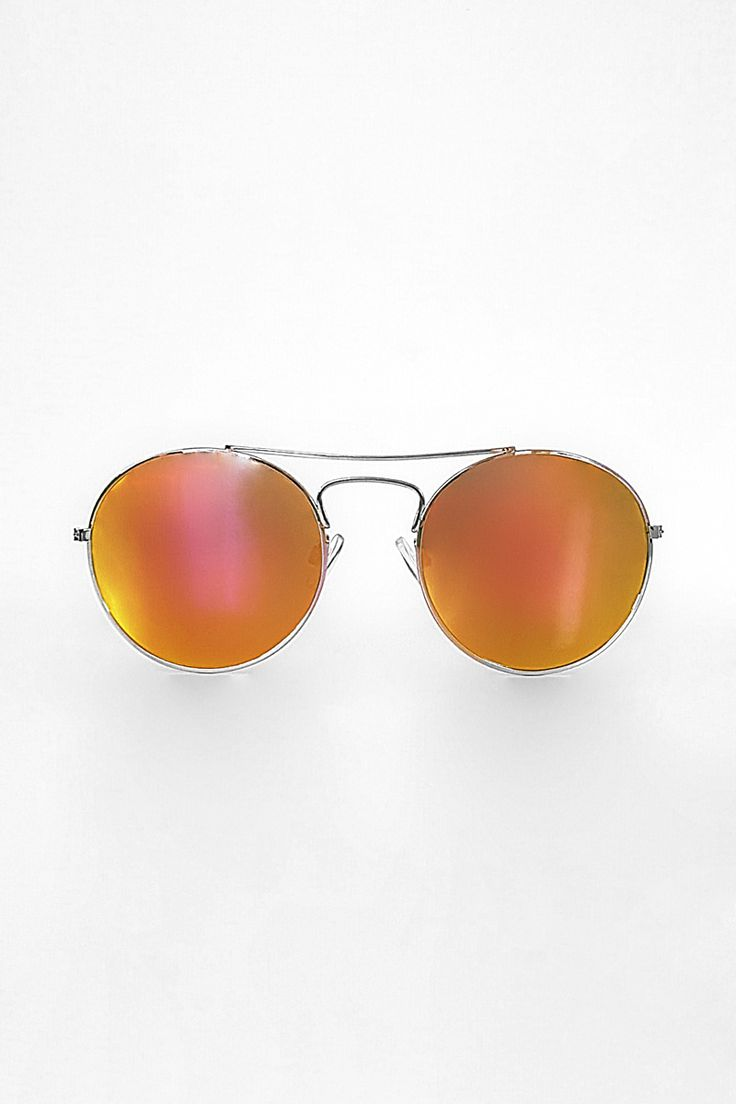 Statement Piece | Mirrored Sunglasses | Scandinavian Style