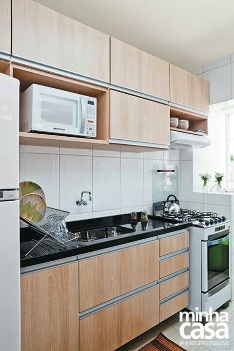Cozinha pequena mostra revista minha casa organiza o - Baneras pequenas leroy merlin ...