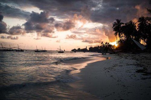 Terminons la semaine en couleurs. Maik Scharfscheer a photographié la vie à Zanzibar avec le nouveau Leica M10. Très bon week-end à tous ! #LeicaCameraFrance #LeicaFrance #LeicaM #LeicaM10 #TheCamera #InspirationSehen # via Leica on Instagram - #photographer #photography #photo #instapic #instagram #photofreak #photolover #nikon #canon #leica #hasselblad #polaroid #shutterbug #camera #dslr #visualarts #inspiration #artistic #creative #creativity