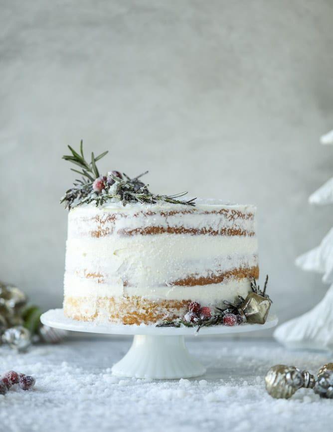 white christmas sparkle cake I howsweeteats.com #christmas #cake #vanilla #almond /