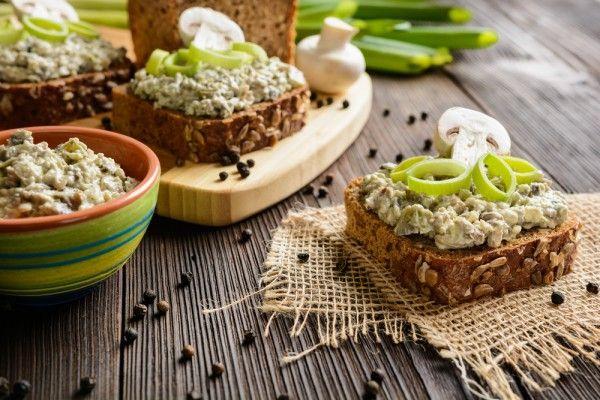 Плавленый сыр с грибами, ссылка на рецепт - https://recase.org/plavlenyj-syr-s-gribami/  #Овощи #блюдо #кухня #пища #рецепты #кулинария #еда #блюда #food #cook