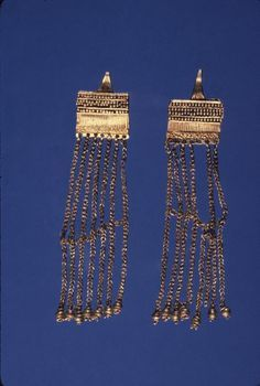Trojan earrings , ca. 2400 B.C.